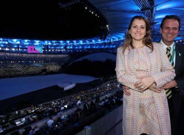Eduardo e Cristine Paes: pouca gente viu o prefeito na abertura das Olimpíadas, no Maracanã, nessa sexta-feira (05/08) / Foto Beth Santos