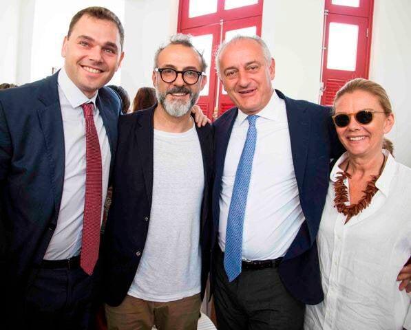 Gabor de Zagon, vice-consul geral da Italia, Massimo Bottura, embaixador da Italia no Brasil, Antonio Bernardini, e a esposa, Ornella Bernardini_crédito Julia Assis