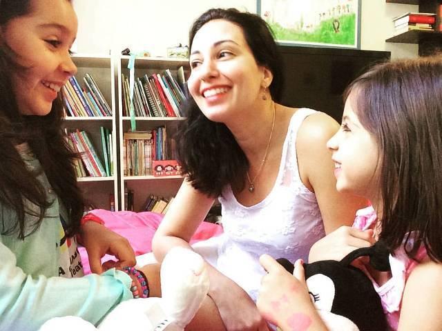 Ana Maria Prestes e as filhas Gabriela e Helena: livro foi escrito em parceria com as meninas / Foto: reprodução