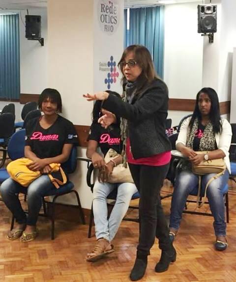 Gloria Perez e as alunas do Projeto Damas, da Coordenadoria de Diversidade Sexual, comandada por Carlos Tufvesson / Foto: divulgação