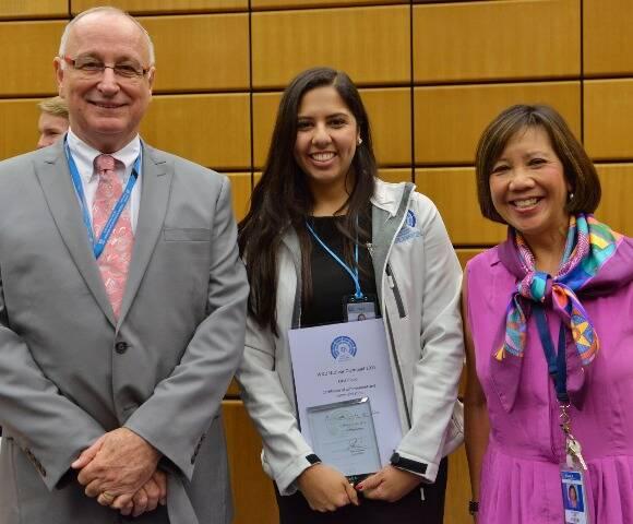Alice Cunha entre Aldo Malavasi e Janice Dunn Lee, diretores-gerais adjuntos da Agência Internacional de Energia Atômica (AIEA), em setembro do ano passado em  Viena, na Áustria / Foto: divulgação