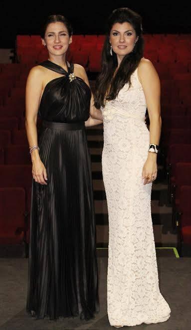 Angélica e Marina De La Riva: as irmãs, no palco, pela primeira vez juntas / Foto: Carlos Frederico Silva