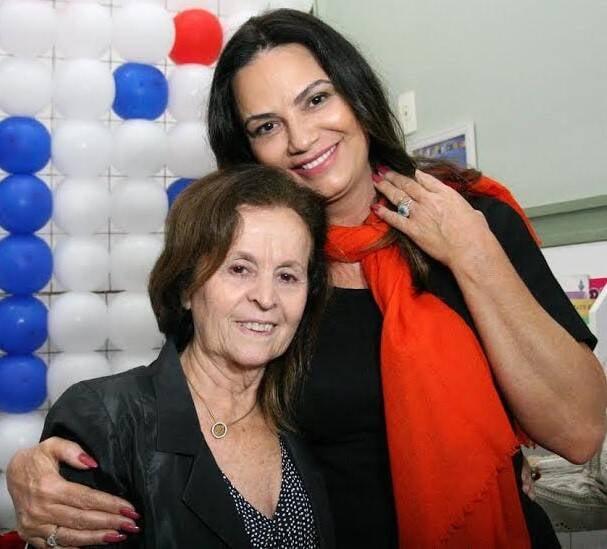 Rosa Celia Pimentel e Luiza Brunet: a médica recebeu o apoio da atriz nos 20 anos do Pró Criança Cardíaca / Foto: divulgação