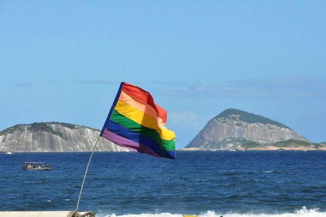 A bandeira do movimento gay na Praia de Ipanema: Rio ganha mais um título LGBT / Foto: Alexandre Macieira / Riotur