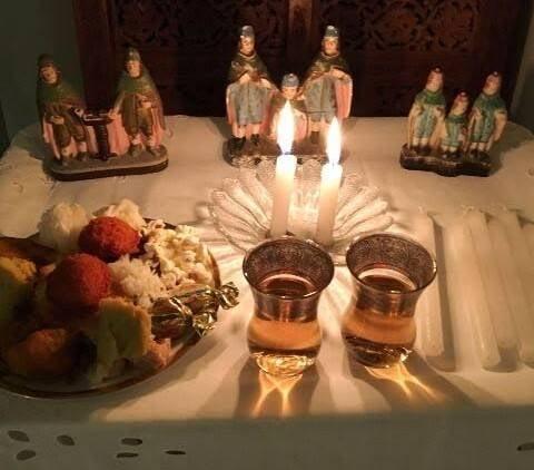 Altar de São Cosme e São Damião na casa da chef Isis Rangel, na Avenida Atlântica / Foto amadora (de celular)