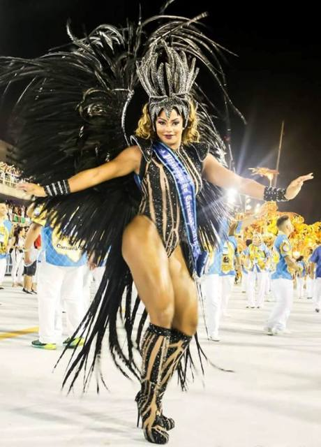 Bianca Monteiro, nova rainha de bateria da Portela, foi segunda princesa no carnaval carioca deste ano / Foto: Leo Cordeiro