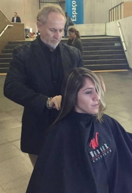 Na campanha do ano passado, o cabeleireiro Rudi Werner também participou com ações no Metrô do Rio / Foto: divulgação