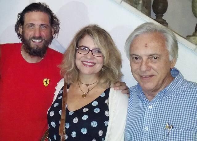 """Luiz Machado com Sylvia Bandeira e José Dias, na estreia de """"Nefelibato"""", no porão da Laura Alvim / Foto: Christovam Chevalier"""