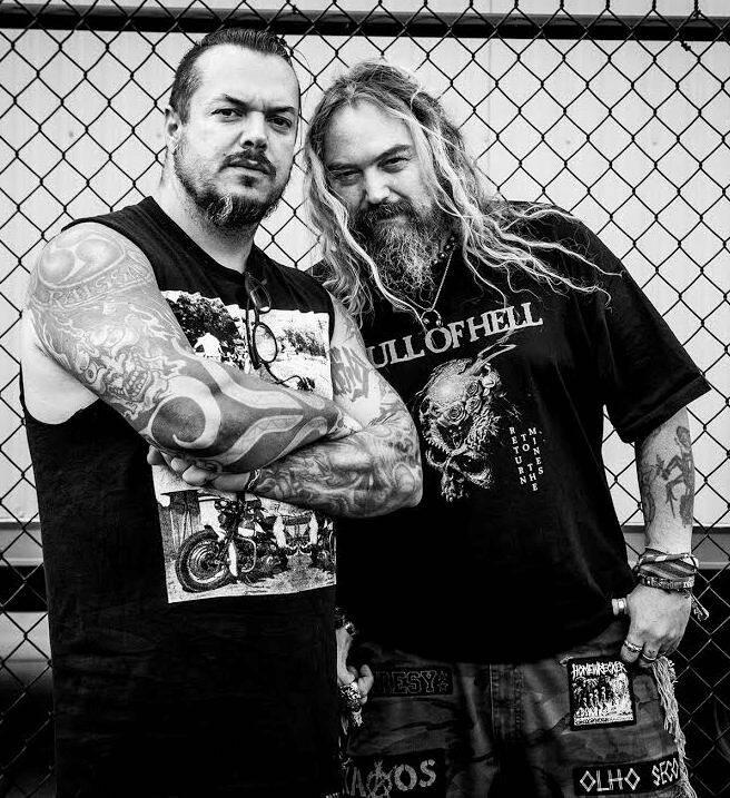 """Iggor e Max Cavalera festejam os 20 anos do CD """"Roots"""", álbum mais conhecido do Sepultura, a banda brasileira de maior projeção no exterior / Foto: divulgação"""