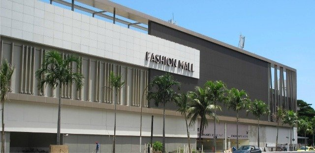 O Fashion Mall teve assaltos direcionados, nesta terça, a duas joalherias no primeiro andar / Foto: reprodução9