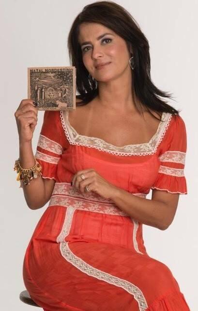 Ione Costa: a empresária produziu o primeiro CD com compilação de músicas natalinas do Nordeste. É o primeiro álbum do gênero; com renda beneficente, à venda Celeiro, no Leblon; na Pizzaria Capricciosa, em vários pontos da cidade, e no Aprazível, em Santa Teresa / Foto: Ana Stewart