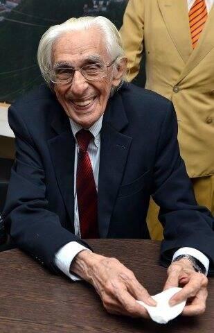 Ferreira Gullar, que morreu neste domingo 04/12), aos 86 anos, em foto de outubro deste ano / Foto: Cristina Granato (acervo do site Lu Lacerda)