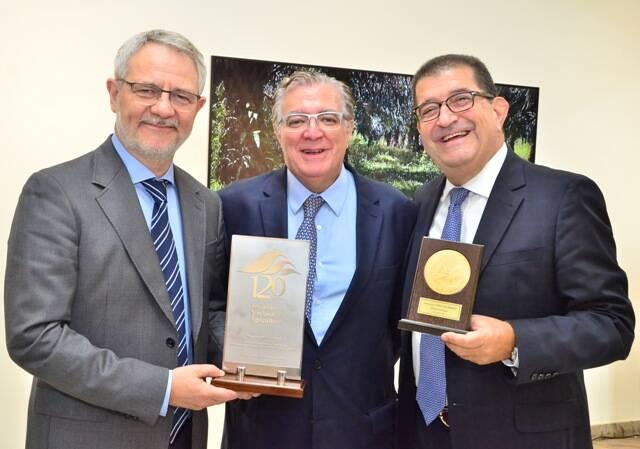 carlos-henrique-schroder-diretor-geral-da-globo-antonio-alvarenga-presidente-da-sna-e-willy-haas-diretor-geral-de-negocios-da-globo-2