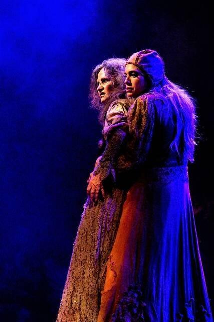 Letícia Spiller e Rosamaria Murtinho, na peça Dorotéia / Foto: João Dionísio
