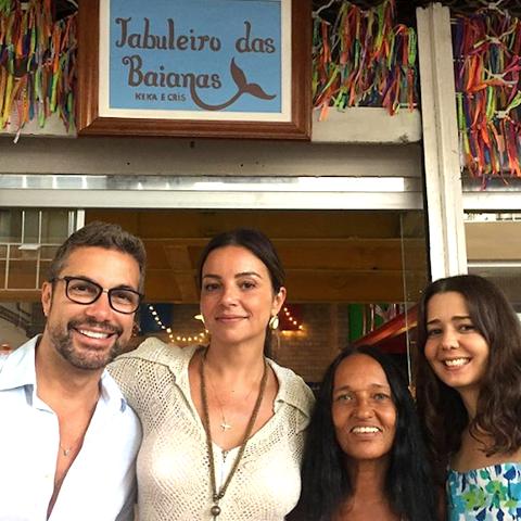 Fernando Torquatto, Renata Carvalho, Keka Almeida e Cristiane Amorim: o Tabuleiro das Baianas abriu em Ipanema, semana passada / Foto: divulgação