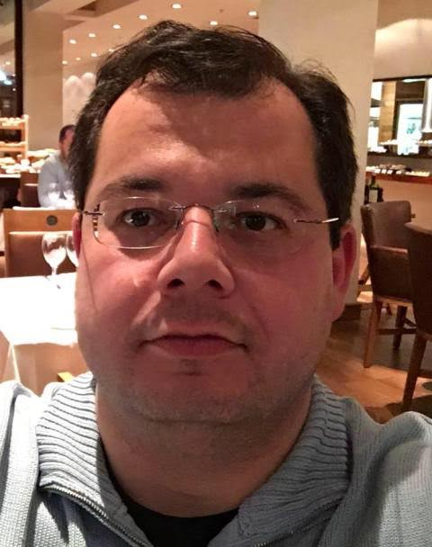 Francisco Zavascki: filho do Ministro Teori Zavascki confirma que seu pai estava no avião que caiu - em menos de meia hora, centenas de compartihamentos / Foto: reprodução Facebook