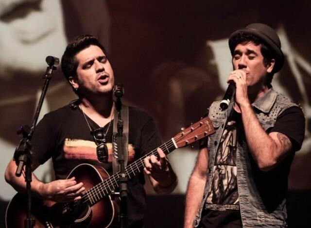 Wilson Sideral e Rogério Flausino: os irmãos comandam um show com várias participações especiais só com repertório que foi do Cazuza / Foto: divulgação