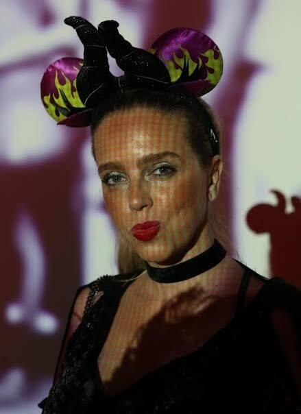Monique Vidal: veja como chegar à delegada nos blocos ou nos bailes - ela pode sacar do decote - hummmm! - um par de algemas / Foto: Reginaldo Costa Teixeira