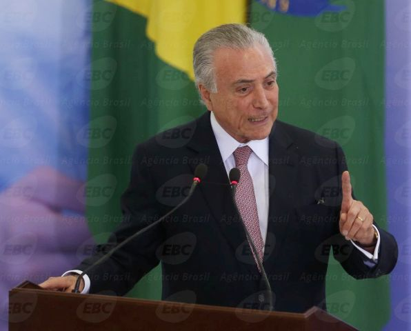 Brasília - Presidente Michel Temer discursa na cerimônia de comemoração pelo Dia Internacional da Mulher, no Palácio do Planalto (Valter Campanato/Agência Brasil)