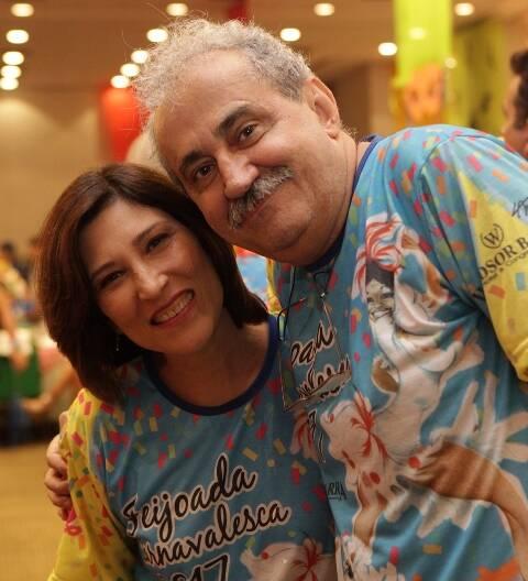 Feijoada de Carnaval do HotelWindsor Barra - Beth Goulart e Ancelmo Gois - Foto de Berg Silva/divulgação