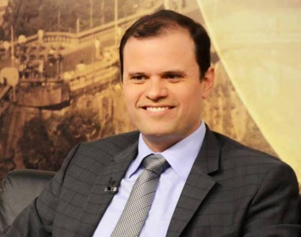André Lazaroni: presidente do Municipal e secretário de Cultura - só sendo um homem biônico