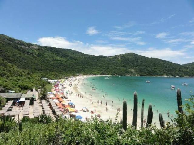 Praia do Forno: em terceiro lugar, a praia do Rio mais bem colocada entre as 25 brasileiras eleitas pelo prêmio Travellers' Choice / Foto: reprodução