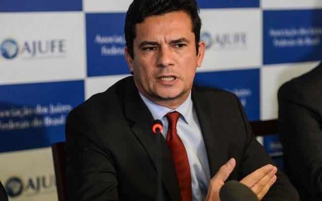 """Sergio Moro: frase para o juiz - """"Quem demora a se encolerizar é superior ao poderoso."""" / Foto: IG"""