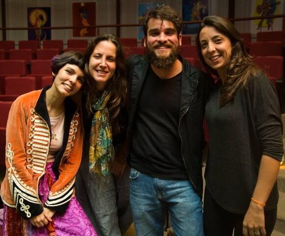 No alto, Bem Gil e Domenico Lancelotti; acima, Ana Lomelino, Ana Clara Horta, Bruno Monteiro e Michele Leal / Fotos: Vitor Jorge