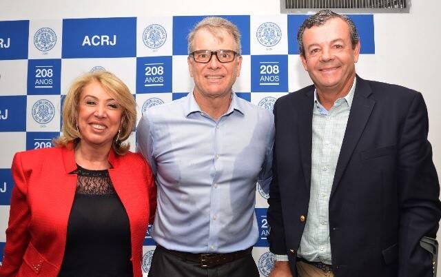 Angela Costa, Bernardinho e Lars Grael: palestra do técnico de vôlei na Associação Comercial do Rio/ Foto: divulgação