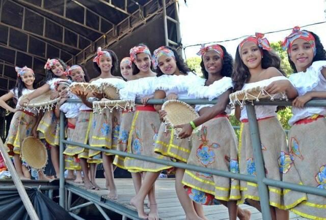 """Nas fotos, apresentações da última edição do evento. Este ano, o """"12º Carnaval das Culturas do Mundo"""", acontece entre os dias 8 e 10 de setembro. / Fotos: Divulgação"""
