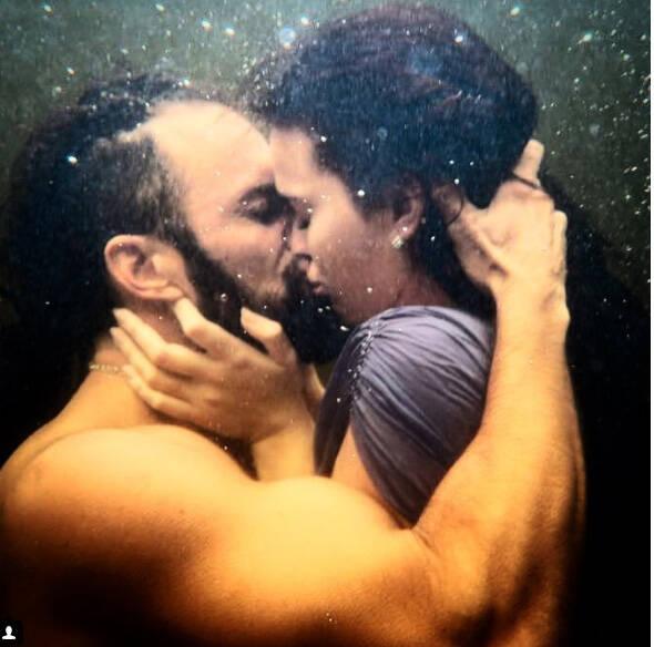 José Fidalgo e Bruna Marquezine: cena de beijo na boca debaixo d'água /Foto: Reprodução Instagram