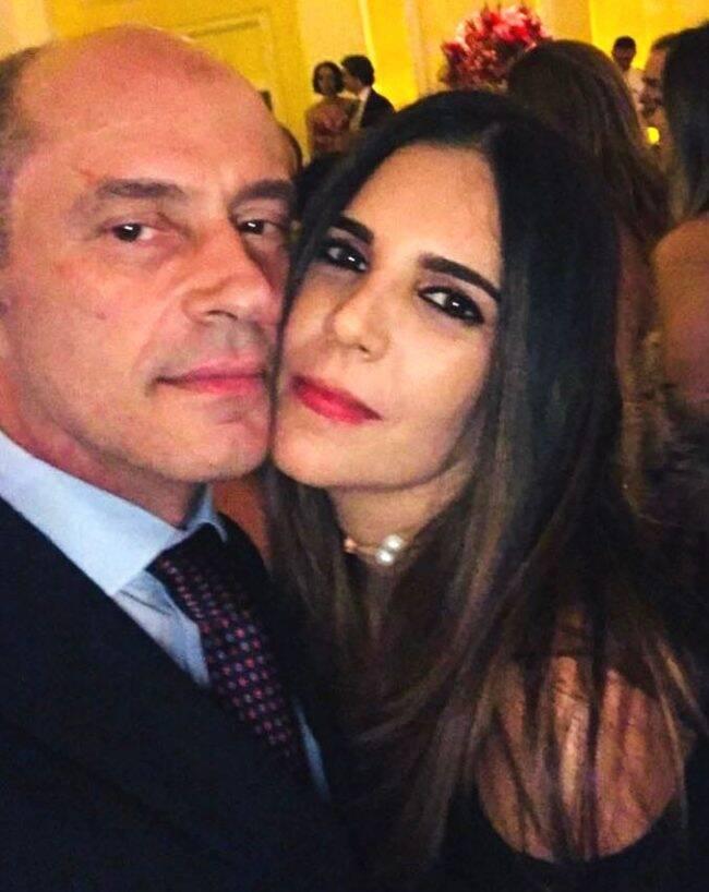 José Geraldo Moreira e Claudia Romano: casal tem o carro roubado enquanto jantava num restaurante em Ipanema /Foto: Arquivo Pessoal