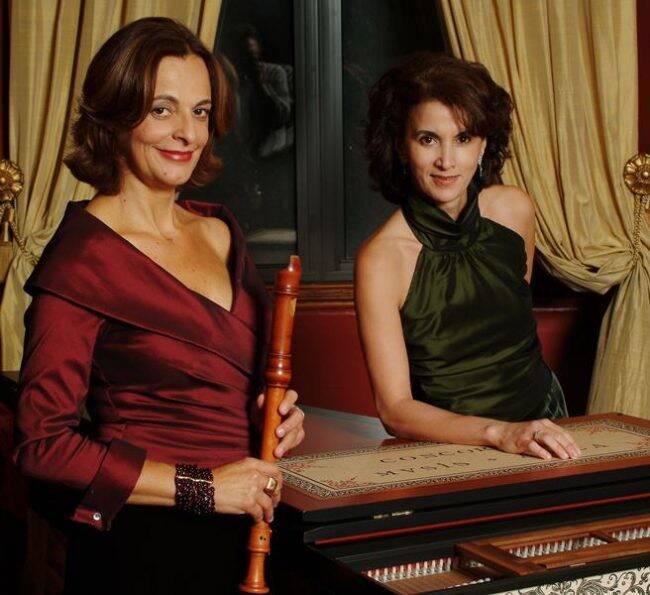 Cléa Galhano e Rosana Lanzelotte: concerto da obra de Bach na Fundação Eva Klabin /Foto: Divulgação