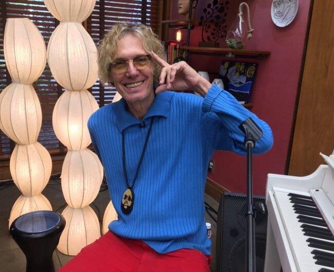 Eduardo Dussek: cantor expõe quadros em homenagem ao pai /Foto: TV Globo