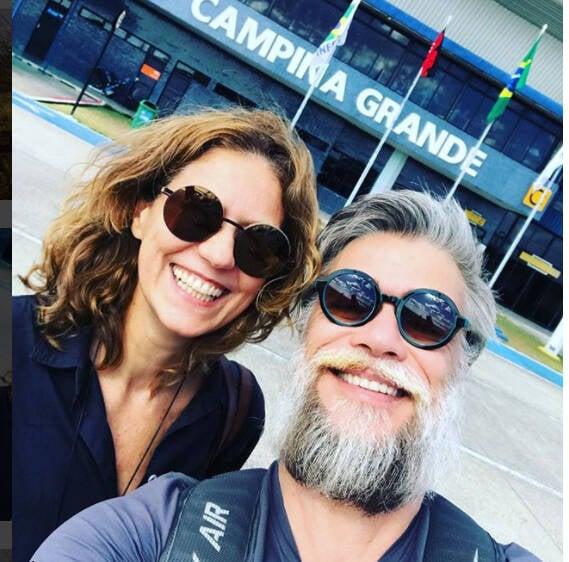 Acima, Alexandre Nero com o chapéu de chifres; Patrícia Pillar e Fábio Assunção no aeroporto de Campina Grande /Fotos: Reprodução Instagram