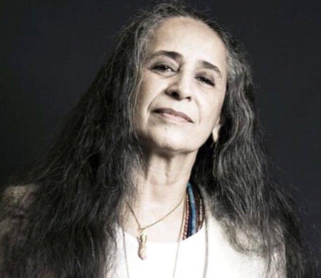 Maria Bethânia: cantora vai subir ao palco para cantar por sua Mangueira do coração /Foto: Divulgação