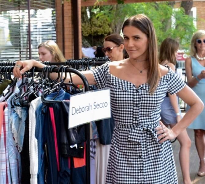 Deborah Secco: atriz doa 300 peças de roupa para bazar em Curitiba /Foto: Divulgação