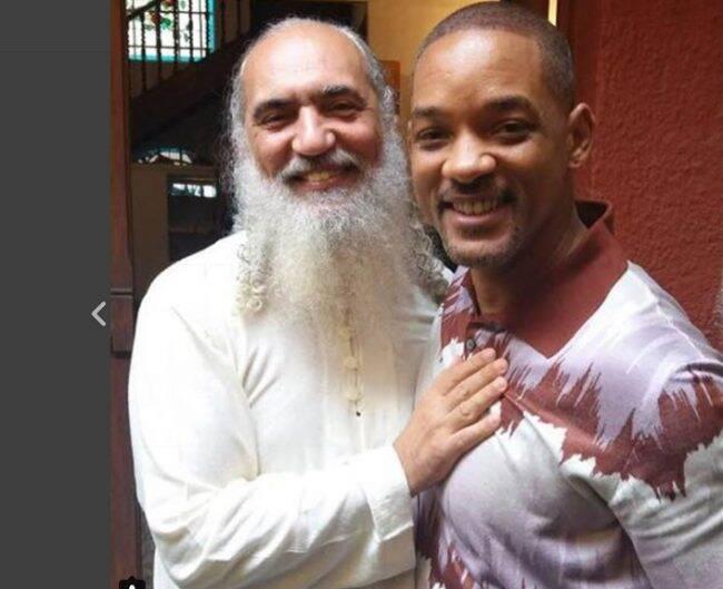 Sri Prem Baba e Will Smith: encontro na Awaken House em São Paulo /Foto: Reprodução Instagram