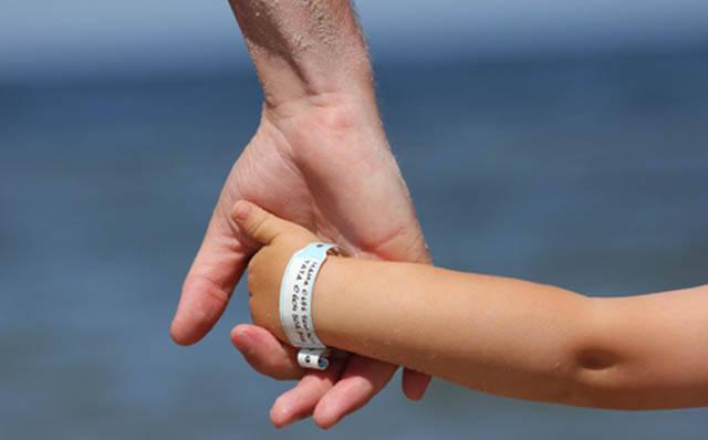 Fundação para a Infância e Adolescência (FIA) vai distribuir 40 mil pulseirinhas durante carnaval /Foto: Reprodução