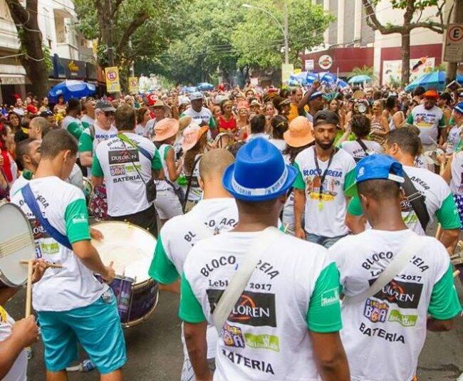 O Bloco Areia nas ruas do Leblon no desfile deste ano /Foto: André Lima