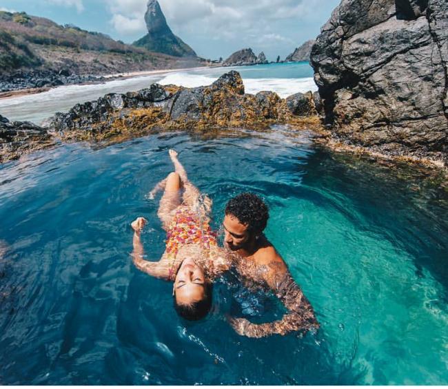 Bruna Marquezine e Neymar: atriz posta foto romântica ao lado de Neymar em Fernando de Noronha e faz declaração de amor /Foto: Reprodução Instagram
