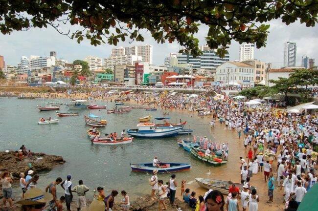 """""""Festa de Iemanjá"""": evento atrai milhares de pessoas em Salvador todos os anos /Foto: Rita Barreto/Setur"""