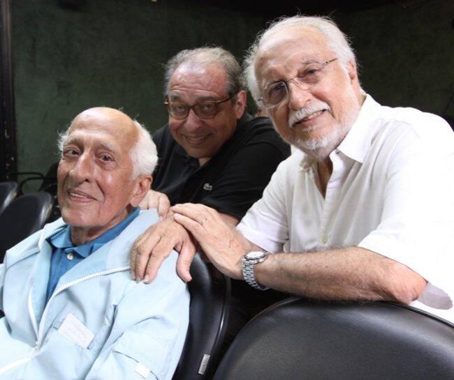 """MIS: encontro entre César Villela, Ruy Castro e Roberto Menescal para o """"Depoimentos para a posteridade"""" /Foto: Gui Maia"""