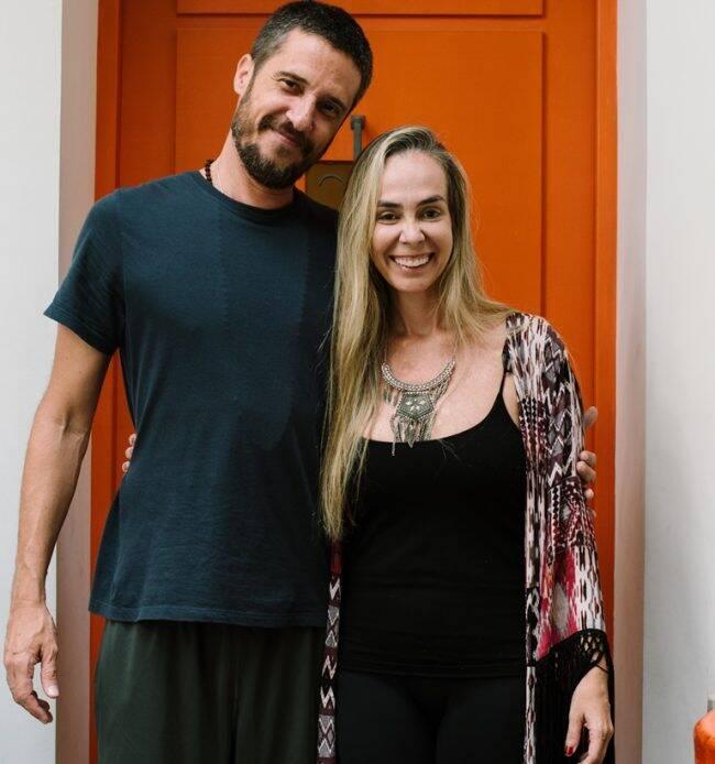 Mahavir Thuri e Juliana Borges: comemoração dos seis meses da Yoga One, na Gávea /Foto: Divulgação