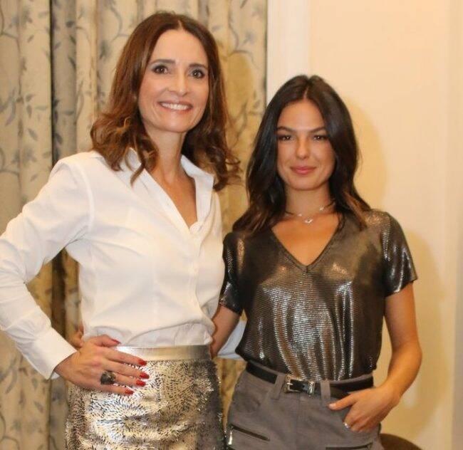 Andrea Natal e Isis Valverde: atriz foi apresentada oficialmente como rainha do Baile do Copa /Foto: AG.News