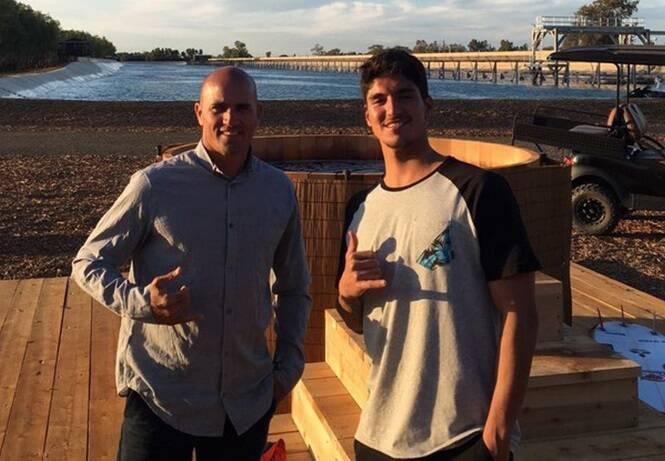 """Kelly Slater e Gabriel Medina: brasileiro visitou o """"Surf Ranch"""" no ano passado e ganhou o evento-teste /Foto: Reprodução Instagram"""