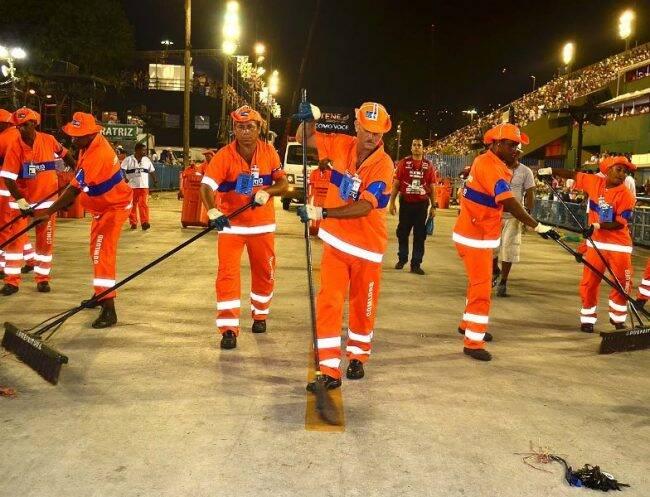 Garis vão recolher lixo reciclável durante os cinco dias de desfile na Sapucaí /Foto: Prefeitura RJ