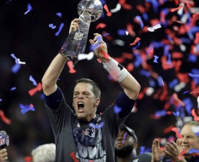 Tom Brady entrou para a história ao conquistar seu quinto título e levar sua equipe para uma virada no jogo de 2017 contra o Atlanta Falcons /Foto: Reprodução