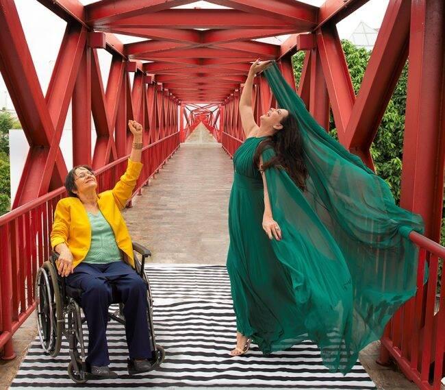 """Maria da Penha e Luiza Brunet em foto da exposição """"M"""", de Gabriel Bomfim /Foto: Divulgação"""